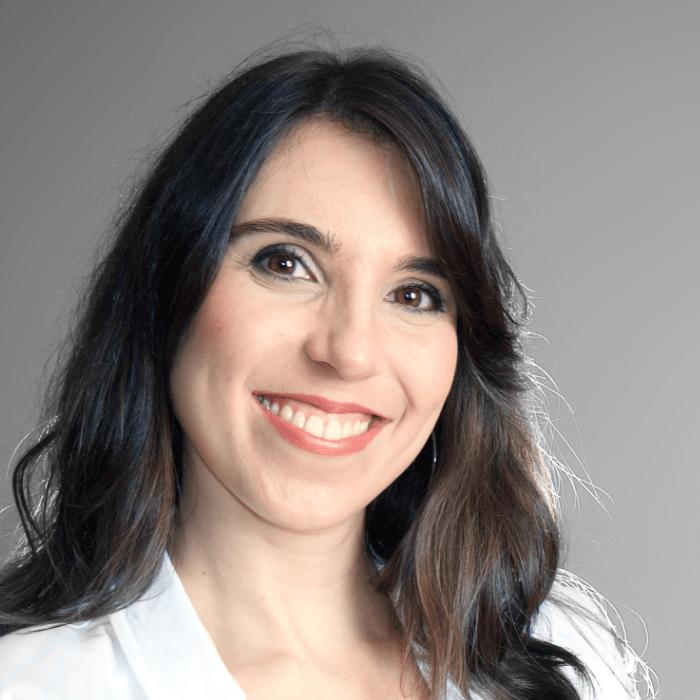 Dr. Clarissa Gomes